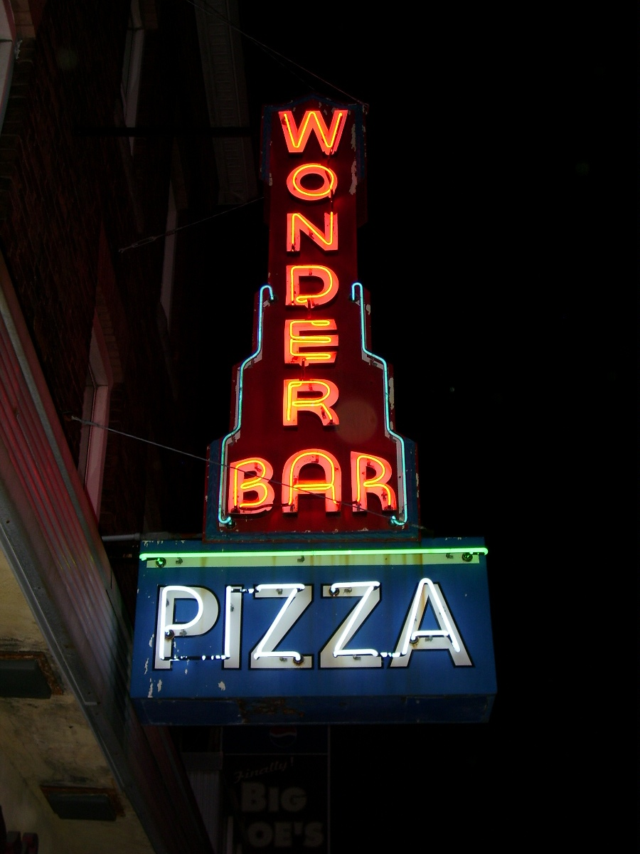 Wonder Bar Pizza - 121 Shrewsbury Street, Worcester, Massachusetts U.S.A. - June 5, 2007
