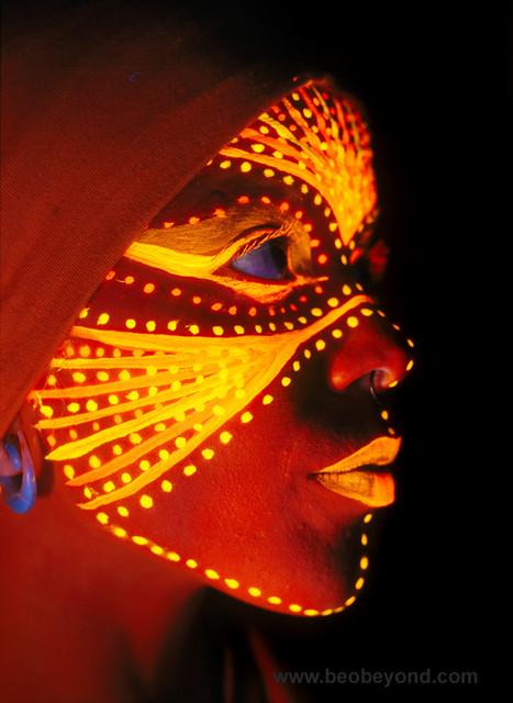 R Letter 3d Wallpaper Uv Face Painting Body Painting Leevi Blacklight