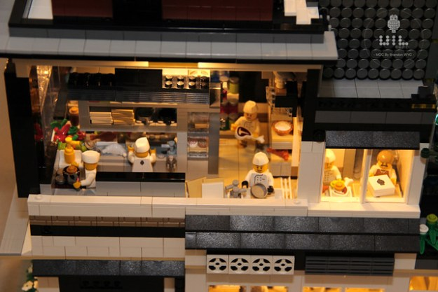 """LEGO Modular MOC - UiL Cafe """"Mingle with the night"""""""