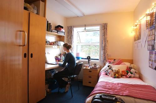 Blenheim bedroom  Details Attractive crescentshaped
