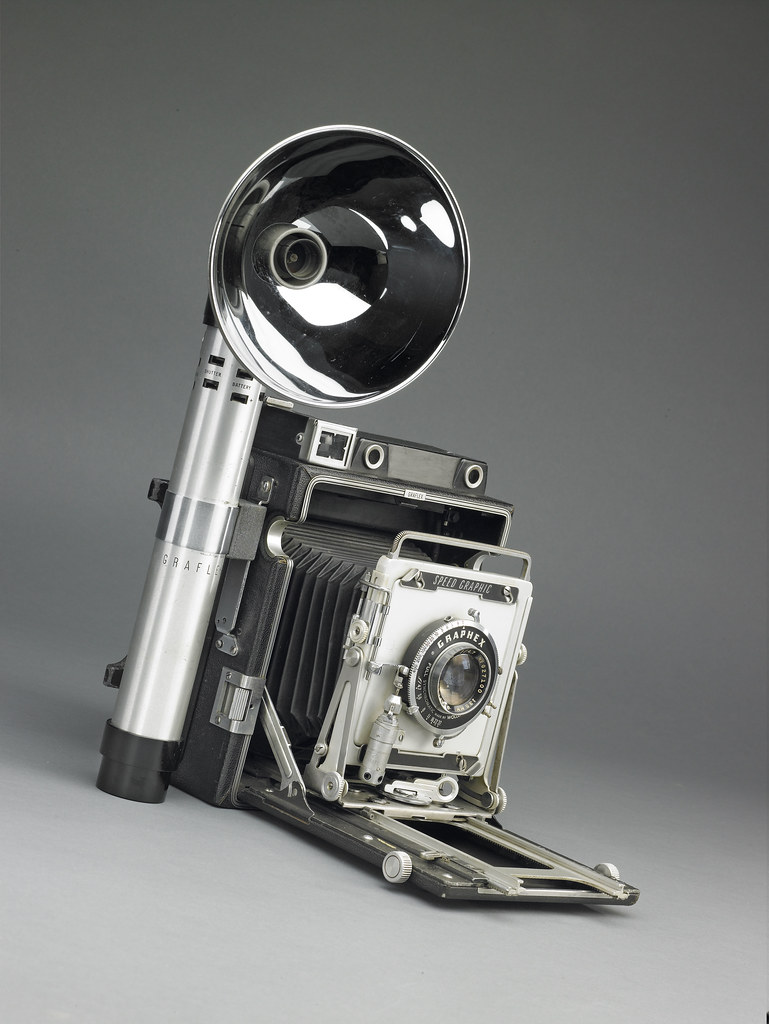 Graflex Speed Graphic 4x5 1940s  This camera is part of th  Flickr