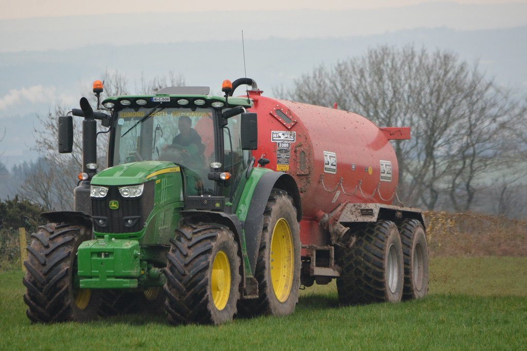 John Deere 6175R Tractor with a HiSpec 3300 Vacuum Slurry
