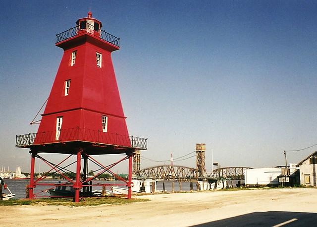 Southwest Reef Lighthouse relocated to Berwick Louisiana