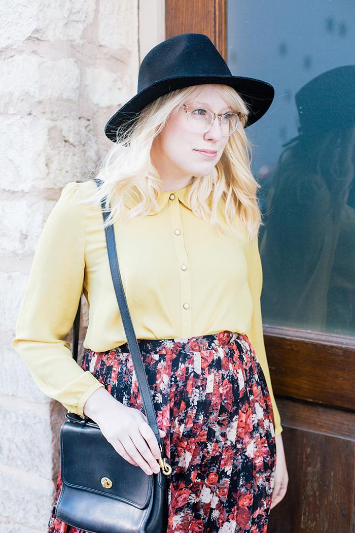 austin fashion blogger floral midi skirt winter outfit18