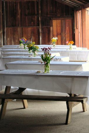Picnic Tables Decorated With Linens And Centerpieces Flickr