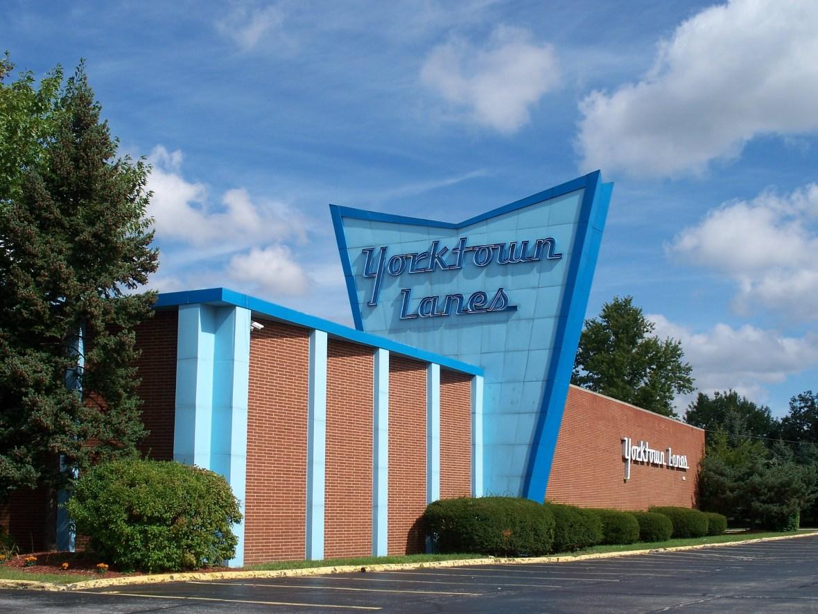 Yorktown Lanes - 6218 Pearl Road, Parma Heights, Ohio U.S.A. - September 12, 2009