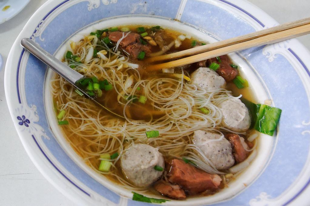 Rice noodles   泰式的湯米粉很好吃,也是來泰國不可錯過的路邊美食。   Wunkai   Flickr