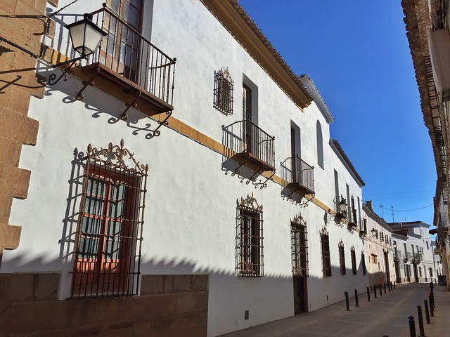Selección de los pueblos más bonitos de Castilla-La Mancha. En la foto una calle de Villanueva de los Infantes