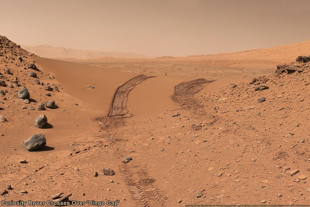 Moon Wallpaper Hd Mars Curiosity Rover Crosses Over Dingo Gap During