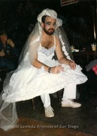 P099.058m.r.t Halloween: Bearded man in a wedding dress an ...