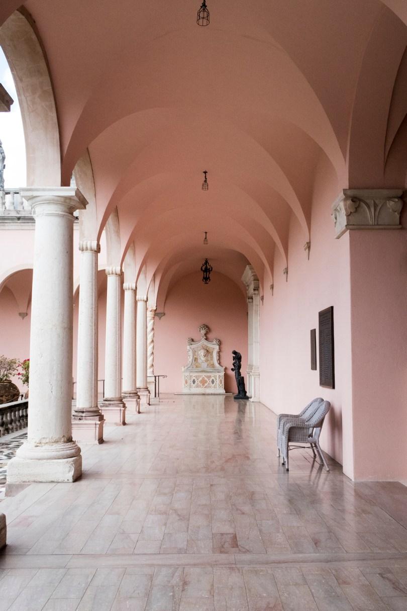 ringling-art-museum-corridor-fountain