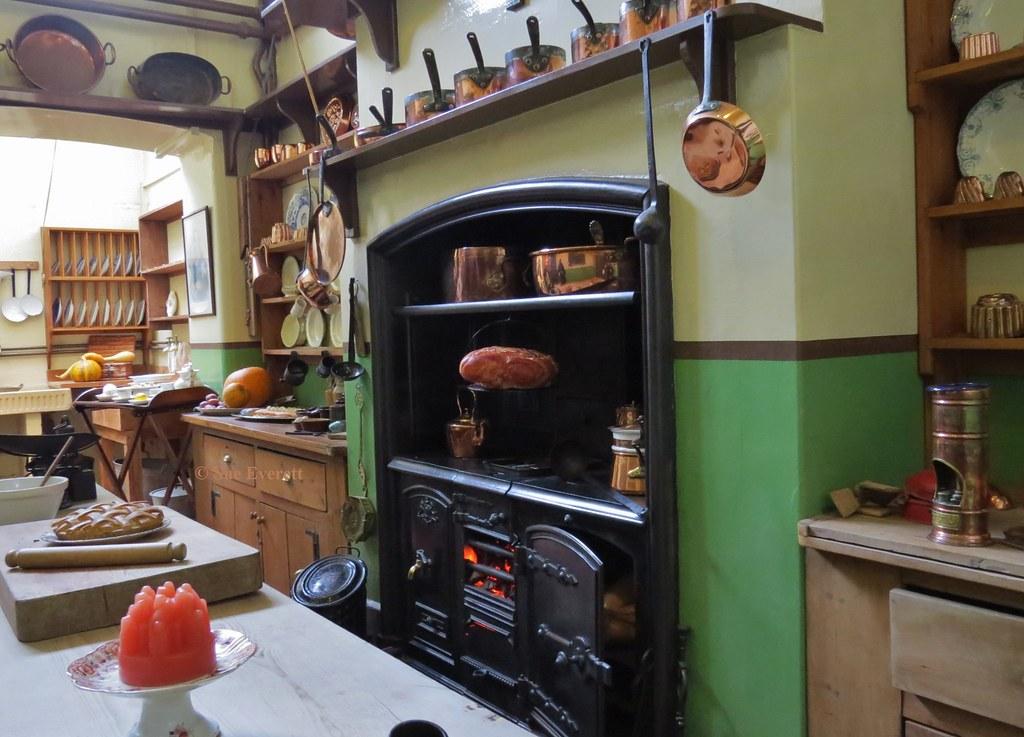 Victorian Kitchen  HWfW  Information on a Victorian
