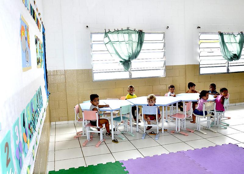 Prefeitura entrega reforma da Creche Carlos Mayer