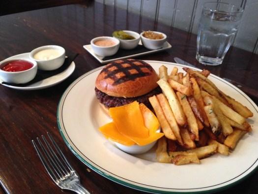 Cheeseburger, Balise, New Orleans