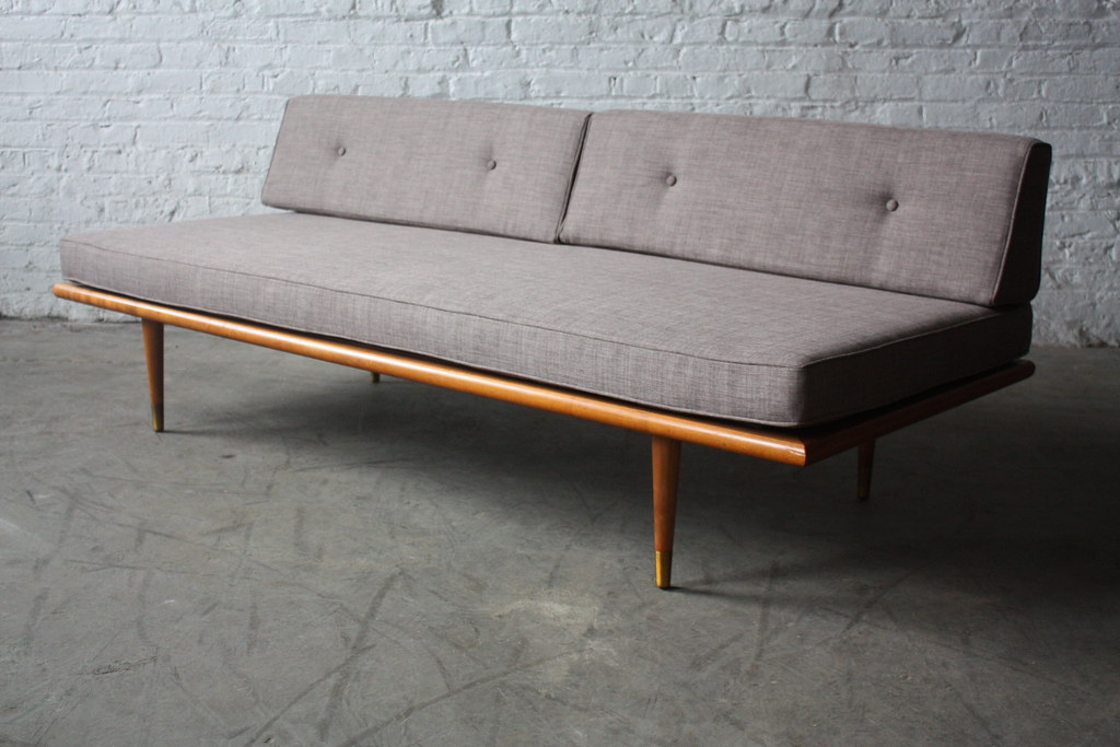Assured Mid Century Modern Daybed Sofa USA 1960s