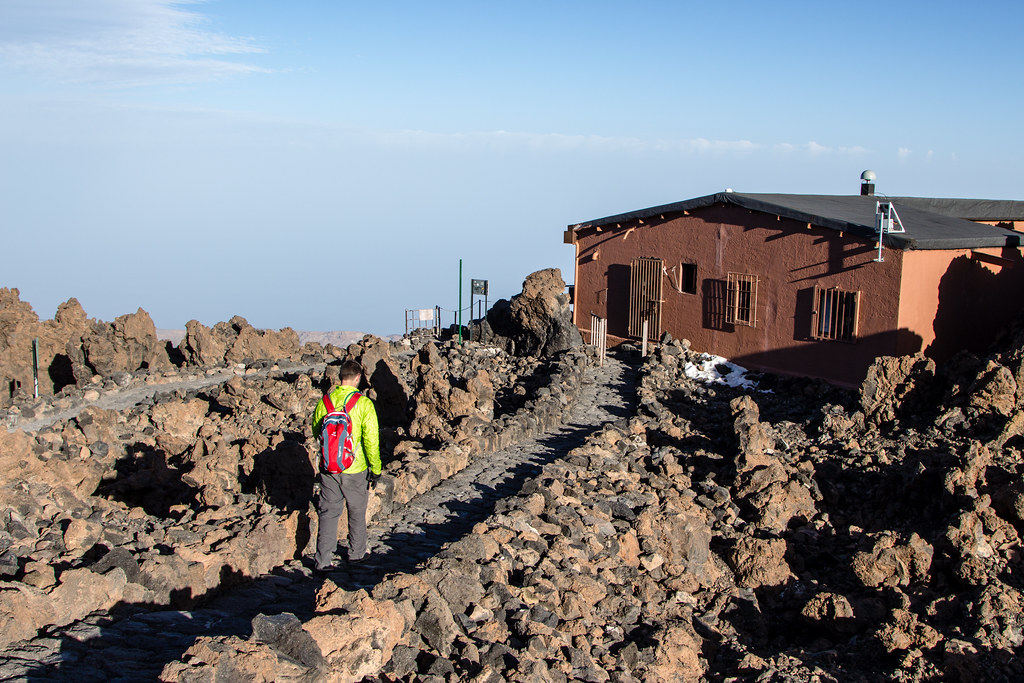 Teide trail to the summit from Teleférico del Teide