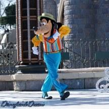 Mickey Prsente Joyeux Anniversaire Disneyland Paris