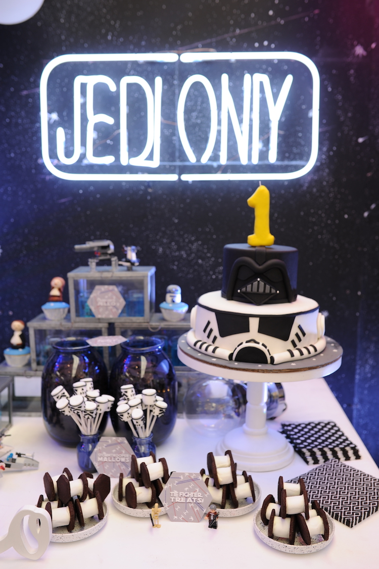 Homemade Parties DIY Party_Star Wars Party_Lucas24