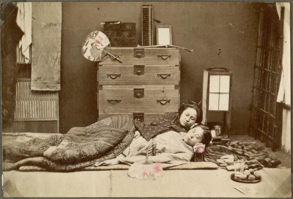 Makura The Wooden Pillow Two sleeping women Japan