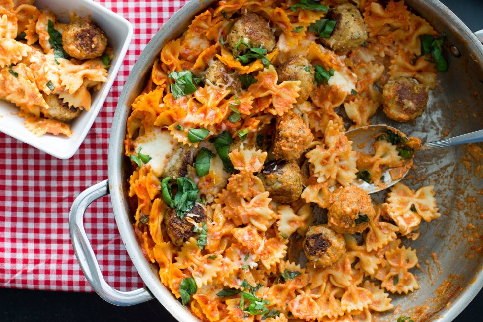 Chicken parmesan pasta bake with mini meatballs and mozzarella.