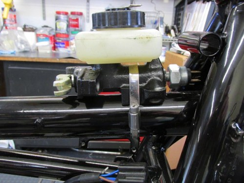 Master Cylinder Mounted on Spine Tube