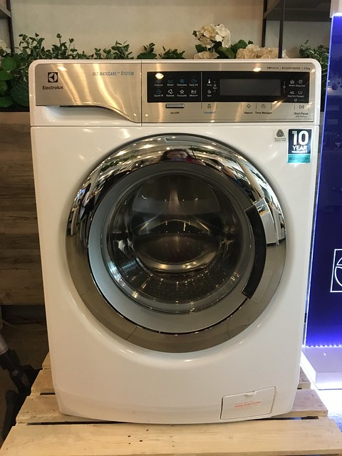 Electrolux UltimateCare Front Load Washing Machine