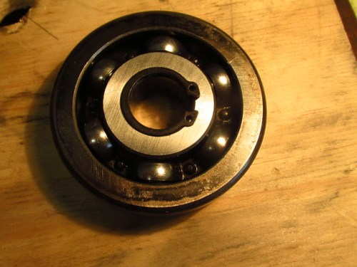 Output Shaft Circlip on Front Bearing Rounded Rear Face-Little Contact