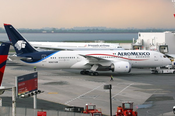 N967AM Boeing 7878 Dreamliner AeroMexico May 10