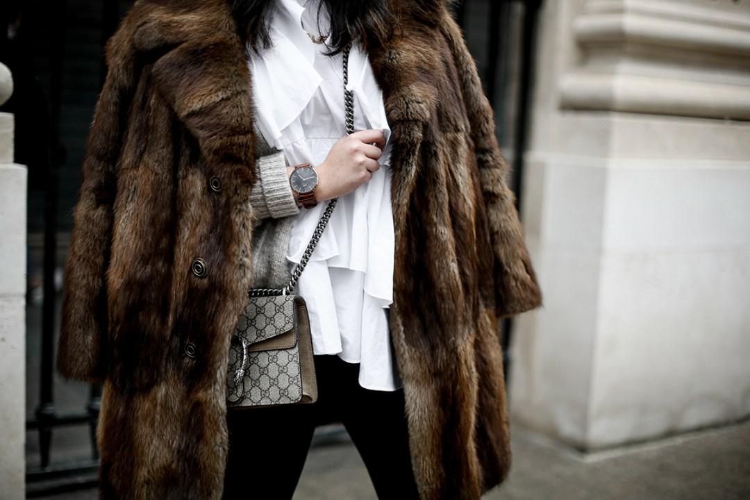 golden goose deluxe brand sneakers fur coat vintage streetstyle paris 2017-3