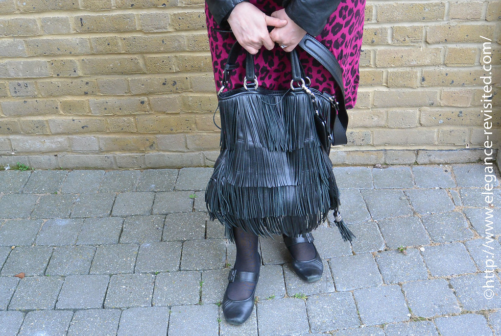 how to style a fringe bag