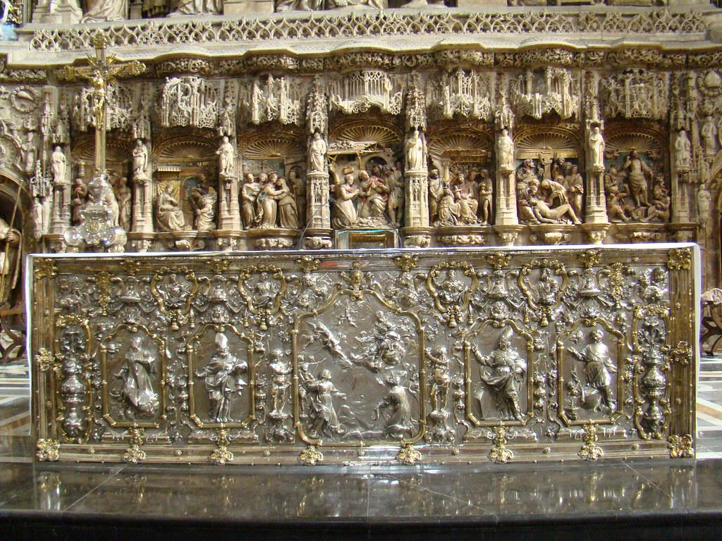 Retablo del altar mayor gotico obra de Damian Forment Catedral Basilica de Nuestra Señora del Pilar Zaragoza 20