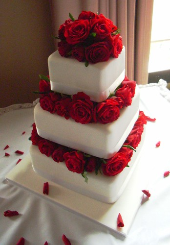 Red Roses Wedding Cake Georgious Three Tier Fresh Rose