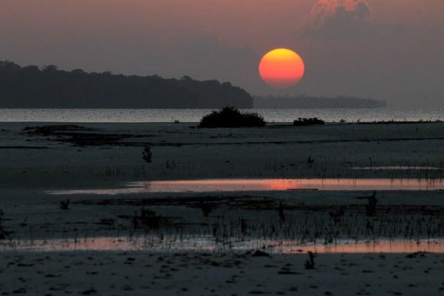 Sunset at Punta Sebaring (Bugsuk Island)
