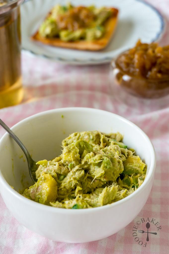 Creamy Avocado and Tuna Spread / Dip