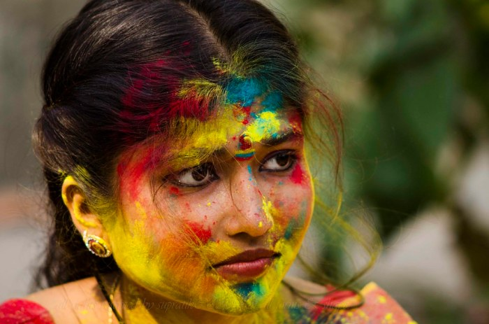 Girl's Guide to Holi