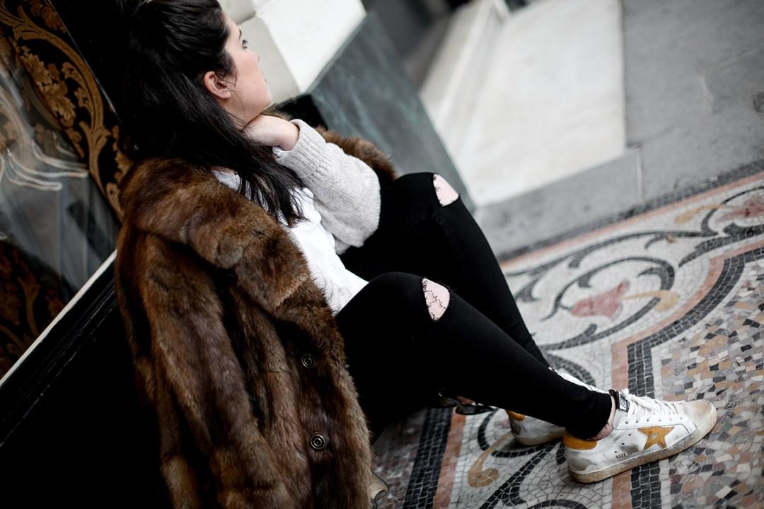 golden goose deluxe brand sneakers fur coat vintage streetstyle paris 2017-2