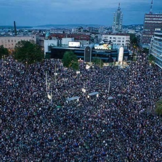 More than 80k people marched in protest in Serbia y'day. Yet media isn't reporting. Share the story