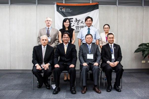 2011.11.08 AACSB Peer-review Team蒞校實地訪評與元智大學主管合照