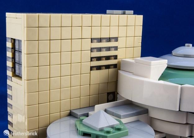 21035 Solomon R. Guggenheim Museum