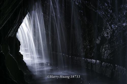 Harry_18733.水濂洞.水簾洞.水濂洞瀑布.隧道.瀑布.水脈.白楊步道.太魯閣國家公園.太魯閣.國家公園.立…   Flickr