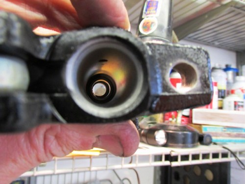 Master Cylinder Bore Has No Rust and Shines After Honing