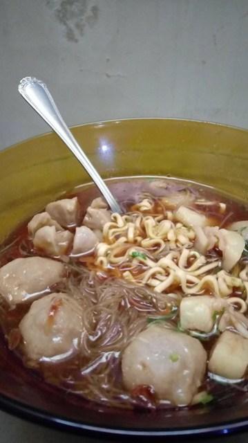 Bakso / indonesian meatball soup