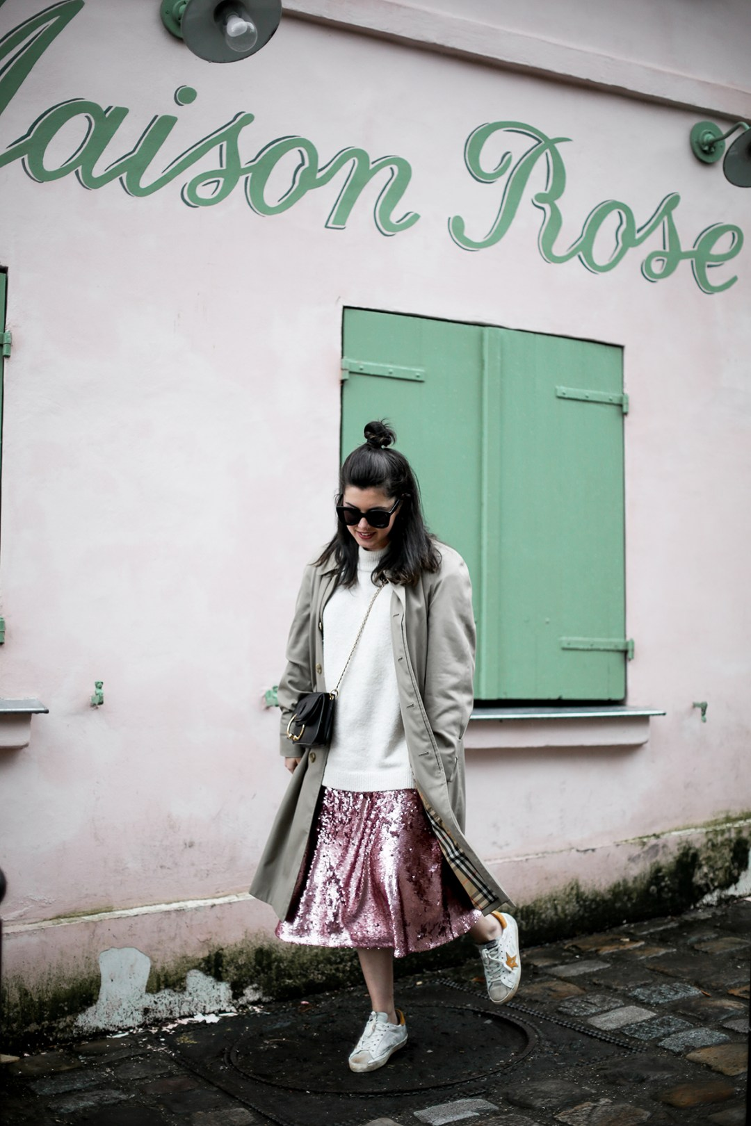 pink-sequin-skirt-hm-golden-goose-sneakers-vintage-burberry-trench-streetstyle6