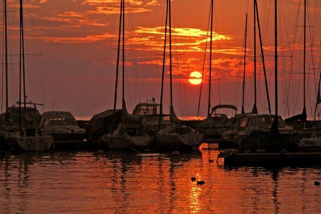 SWITZERLAND - Lake Leman - Lutry at sunset