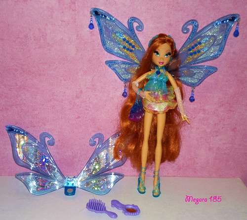 2007 Winx Bloom Glam Magic Enchantix  Her story  Her acces  Flickr