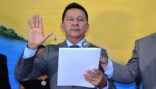 Nepotismo a mil: vice-prefeito dá DAS à sobrinha na Semed; salário dela sobe 93%