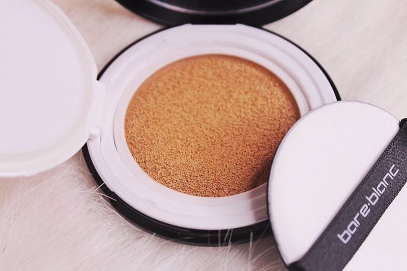 BareBlanc Super Fit Cushion Natural Beige up close