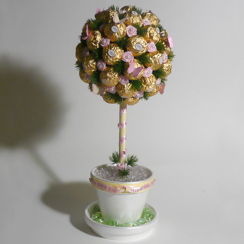 Rocher Candy Topiary 6  The fun and whimsical alternative