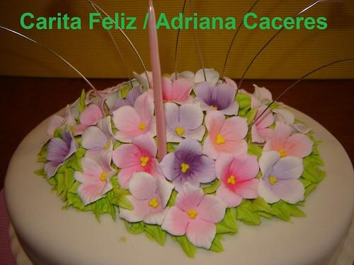 TORTA DECORADA FLORES CON CORAZONES  Torta decorada para