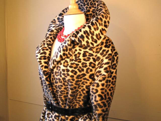 VINTAGE 1960s Leopard Print Jacket Faux Animal Fur Mid Ce